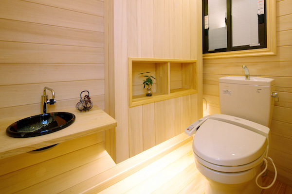もみの木のトイレ